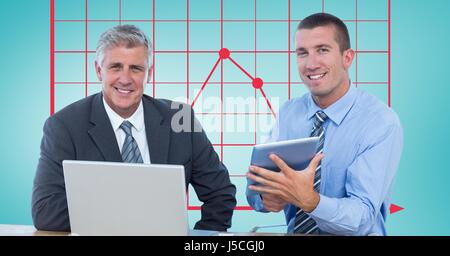Digital composite d'hommes d'affaires avec des technologies contre graphique Banque D'Images