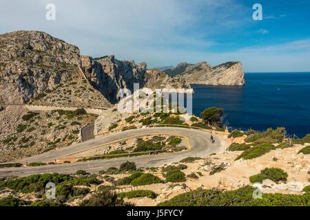 Les belles routes panoramiques du Cap de Formentor cycliste avec personne, Mallorca, Majorque, Îles Baléares, Espagne Banque D'Images