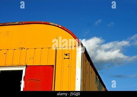 Nuage bleu azur assurance peintre peintre rénovation immobilière gaudy Banque D'Images