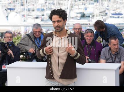 """Cannes, France. 19 mai, 2017. Acteur Ghanem Zrelli pose pour un photocall du film 'Alaka Kaf Ifrit"""" au cours du Banque D'Images"""
