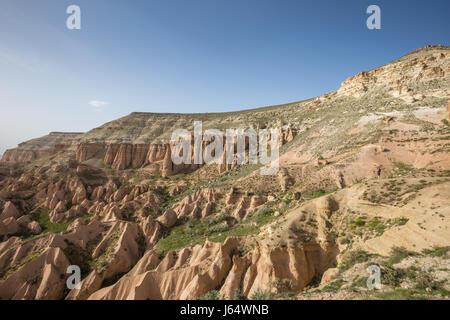 Vallée Rouge à la Cappadoce, Anatolie, Turquie. Dans les montagnes volcaniques du parc national de Göreme. Banque D'Images