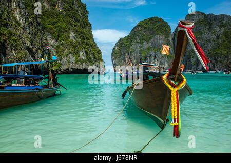 Bateaux sur Koh Phi Phi Island, Thaïlande
