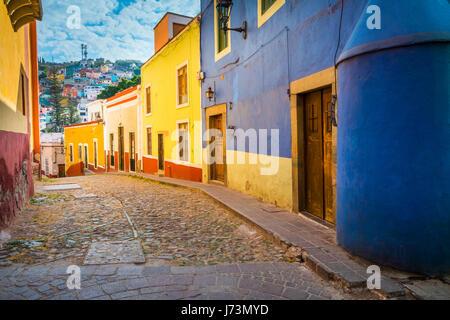 Street à Guanajuato, Mexique ------ Guanajuato est une ville et une municipalité située dans le centre du Mexique Banque D'Images