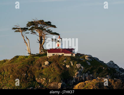 Gros plan sur la batterie Point Lighthouse dans Crescent City, Californie, USA, tôt le matin Banque D'Images