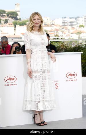 Cannes, Frankreich. 24 mai, 2017. Kirsten Dunst au 'la séduisit/Die Verführten' photocall au cours de la 70e édition Banque D'Images