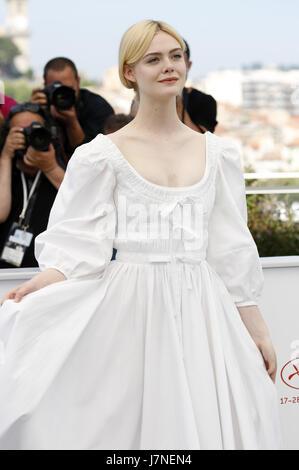 Cannes, Frankreich. 24 mai, 2017. Elle Fanning à 'la séduisit/Die Verführten' photocall au cours de la 70e édition Banque D'Images