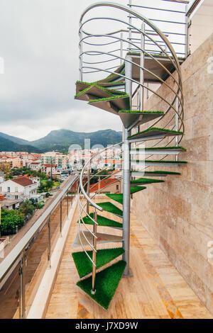 Un escalier dans la villa au Monténégro Banque D'Images