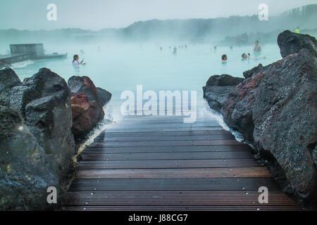 Bláa lónið (Blue Lagoon Geothermal Spa) dans Grindavík sur la péninsule de Reykjanes, au sud-ouest de l'Islande. Banque D'Images