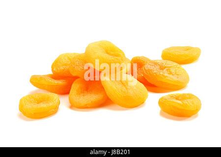 Tas d'abricots secs on white Banque D'Images