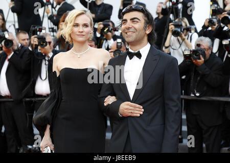 Cannes, Frankreich. 28 mai, 2017. Diane Kruger et Fatih Akin assistant à la fermeture de nuit du 70 Festival du Banque D'Images