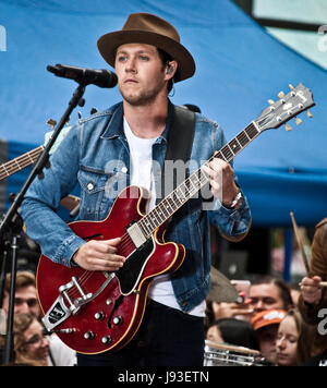"New York, NY, USA. 29 mai, 2017. Niall Horan effectue sur NBC's ""aujourd' Show Concert Series du Rockefeller Plaza. Banque D'Images"