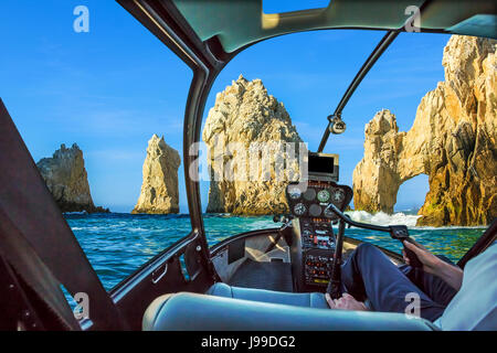 Hélicoptère sur Cabo San Lucas Banque D'Images