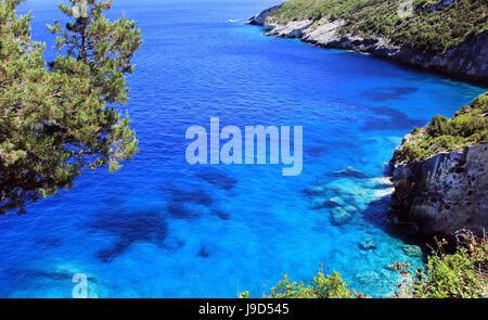 Les falaises et la mer près de Skinari Cap sur l'île de Zakynthos, Grèce Banque D'Images