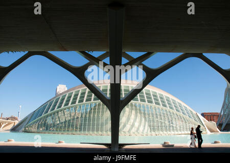 L'Hemisferic, par Santiago Calatrava. Cité des Arts et des Sciences, Valence, Espagne. Banque D'Images