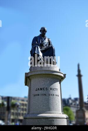 1832 La statue de James Watt, l'inventeur du moteur à vapeur, à George Square, Glasgow, Ecosse Banque D'Images