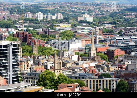 Bristol, Angleterre - le 17 juillet 2016: le paysage urbain du centre et centre-ville de Bristol, y compris des Banque D'Images