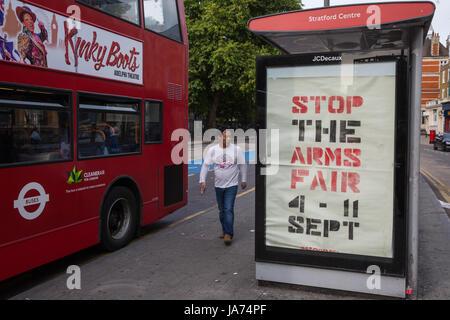 Londres, Royaume-Uni. 24 août, 2017. Subvertit ont paru dans différents bureaux à travers Londres appelant à manifester Banque D'Images