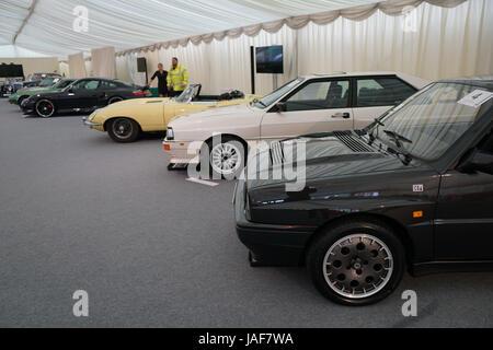 Royal Automobile Club, Woodcote Park, Royaume-Uni. 6 juin, 2017. Une vente aux enchères de l'automobile et certains Banque D'Images