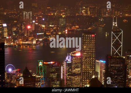 Vue sur Kowloon, le port de Victoria, et du Centre, du Pic Victoria, île de Hong Kong, Hong Kong, Chine Banque D'Images