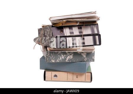 dossiers empil s dans un tas isol sur fond blanc banque d 39 images photo stock 154018848 alamy. Black Bedroom Furniture Sets. Home Design Ideas