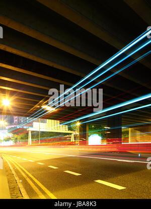 Passer à travers le trafic tunnel