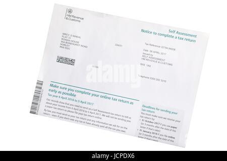 L'avis d'évaluation à remplir une déclaration d'impôt émis par HMRC HM Revenue and Customs 2016 2017