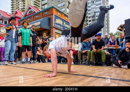 Vancouver, Canada. 17 Juin, 2017. Démo de Break Dance Hip Hop et de la concurrence, de la journée sans voitures, Banque D'Images