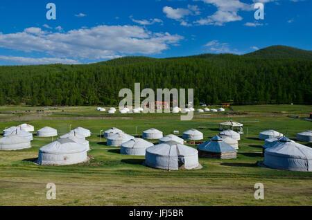 La Mongolie, l'Asie centrale, au camp de yourte, sources chaude Tsenkher Banque D'Images