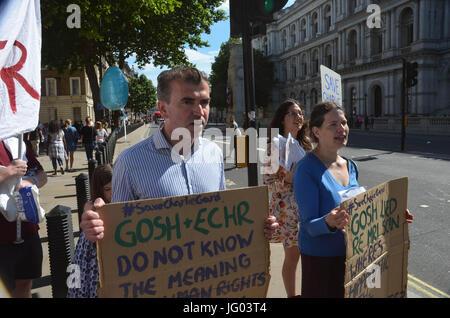 Richmond Terrace, Whitehall, Londres, Royaume-Uni. 2 juillet, 2017. Famille, amis et sympathisants de Charlie Gard, Banque D'Images