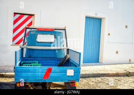 Petite moto italien stationné à Gallipoli, Pouilles, Italie Banque D'Images