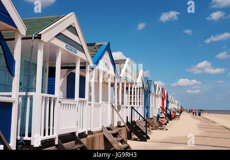 Suffolk Southwold UK Juin 2017 - cabines de plage sur le front de mer photographie prise par Simon Dack Banque D'Images