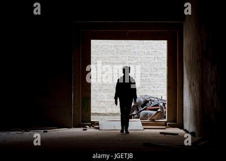 Garçon dans le temple de Litang, Sichuan, Chine. Banque D'Images