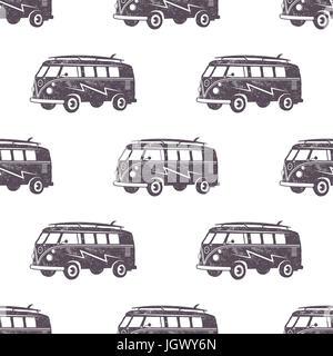Surf old style dessin de voiture. Fond d'écran transparent d'été avec van surfeur. Voiture combi monochrome. Illustration Banque D'Images