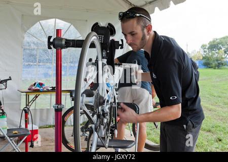 Mécanicien vélo roue fixation avec location monté sur support pour vélo - USA