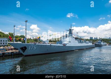 La base navale de Ngong Shuen Chau, Hong Kong - 9 juin 2017: Yinchuan (numéro 175) missiles visité Hong Kong et a été ouvert au public.