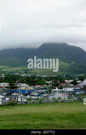 Nevis Peak, un volcan dans les Caraïbes Banque D'Images