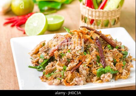 Larb canard, viande hachée avec goût épicé, Thai Food Banque D'Images