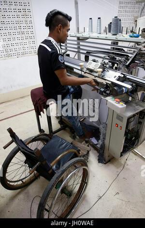 Usine de textile dirigée par l'église catholique à Battambang, Cambodge Banque D'Images