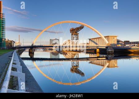 Le Clyde Arc (Pont aux), Glasgow, Ecosse, Royaume-Uni, Europe