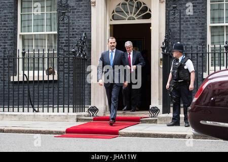 Londres, Royaume-Uni. 13 juillet 2017. Le roi d'Espagne, Felipe VI, feuilles 10 Downing Street après une réunion Banque D'Images