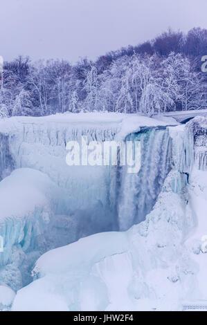 Niagara Falls en hiver, Niagara Falls, Ontario, Canada Banque D'Images