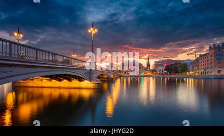 Stockholm. Image panoramique de la vieille ville de Stockholm, la Suède pendant le coucher du soleil. Banque D'Images