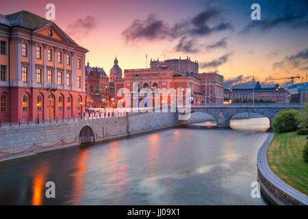 Stockholm. Image de la vieille ville de Stockholm, la Suède pendant le lever du soleil. Banque D'Images