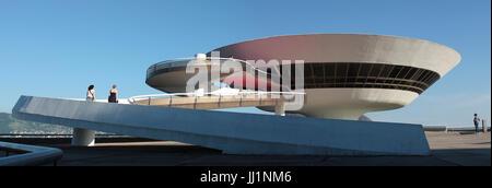 Musée d'art contemporain par Oscar Niemeyer, Niteroi, Rio de Janeiro, Brésil Banque D'Images