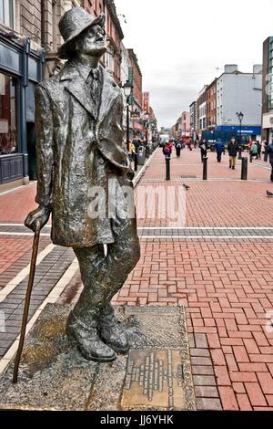 La ville de Dublin, Irlande, James Joice statue près de O'Connell street Banque D'Images