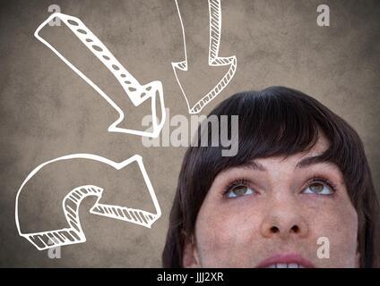 Haut de femme 3d à la tête vers le bas contre les flèches blanches sur fond brun avec grunge overlay Banque D'Images