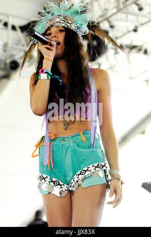 Eliza Doolittle effectue 2011 Festival de musique Coachella mars 16,2011 Indio. Banque D'Images