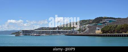 Wellington, Nouvelle-Zélande - 18 novembre 2016: vue panoramique sur le port de Wellington, Oriental Bay, Clyde Banque D'Images