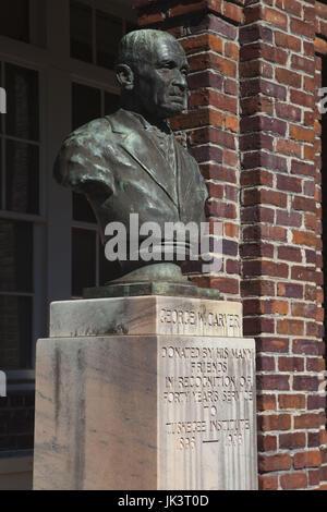 USA, Ohio, Tuskeegee Tuskeegee, Lieu historique national de l'Institut, l'Université d'origine afro-américaine majeure fondée par Booker T. Washington, buste de George Washington Carver
