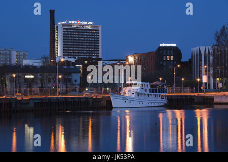 L'Estonie, Tallinn, vue sur la ville de Port passager, Dawn Banque D'Images